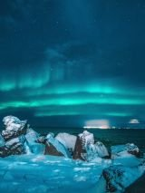 Europe to North America via Iceland with return airfares